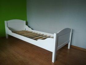 Łóżko Sosenka z falowanymi bokami
