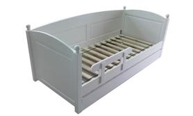 Łóżko drewniane Manty z kulkami