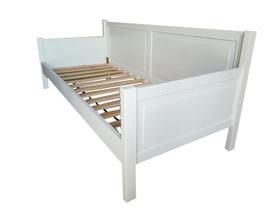 Łóżko drewniane Manty sofa z podłokietnikami