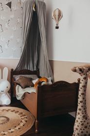 Łóżko dziecięce Letto z ornamentem sosnowe