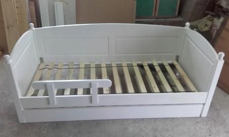 Łóżko drewniane Manty z kulkami, (2) -