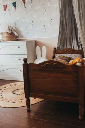 Łóżko dziecięce Letto z ornamentem sosnowe , (2) -