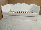 Łóżko drewniane dziecięce  z fala 80x180 białe z szufladą , (2) -